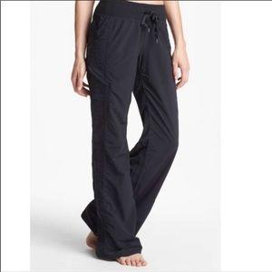 Zella Black Move It Scrunch Yoga Athletic Pant